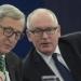 """Comisia a tras un """"foc în aer"""" în direcția PSD-ALDE-UDMR (EUObserver)"""