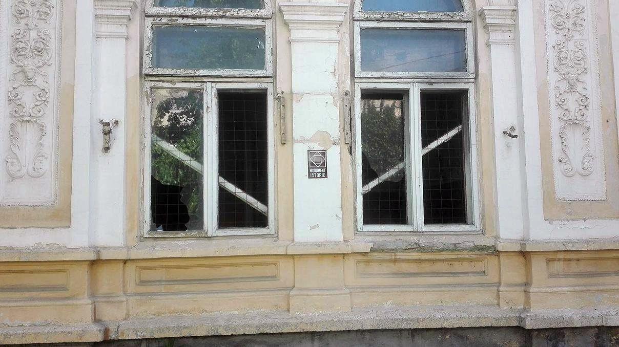 Focșani: Casa Macridescu, o clădire superbă, care l-a găzduit chiar pe regele Carol al II-lea, adăpost pentru oamenii străzii 3