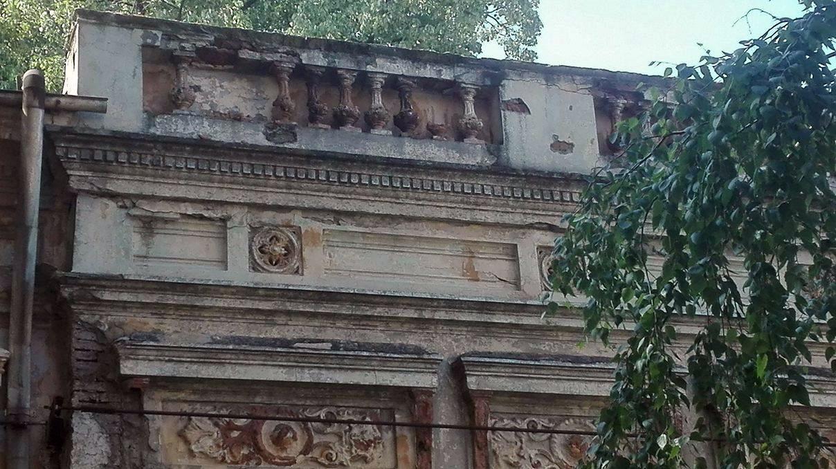 Focșani: Casa Macridescu, o clădire superbă, care l-a găzduit chiar pe regele Carol al II-lea, adăpost pentru oamenii străzii 2