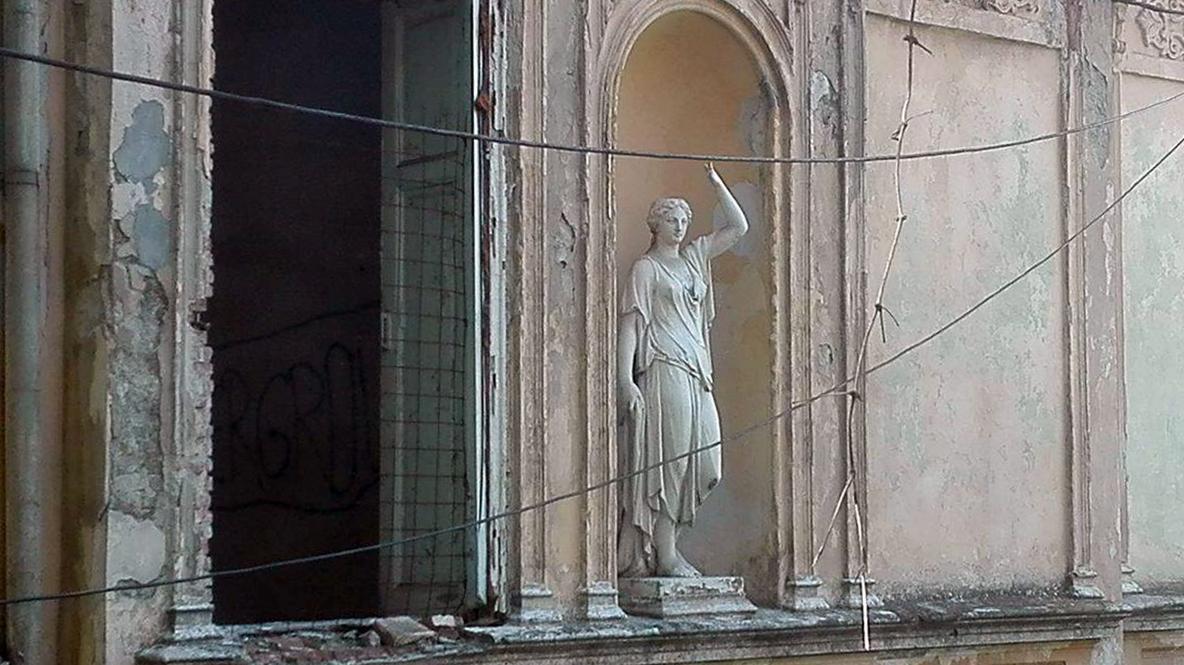 Focșani: Casa Macridescu, o clădire superbă, care l-a găzduit chiar pe regele Carol al II-lea, adăpost pentru oamenii străzii 6