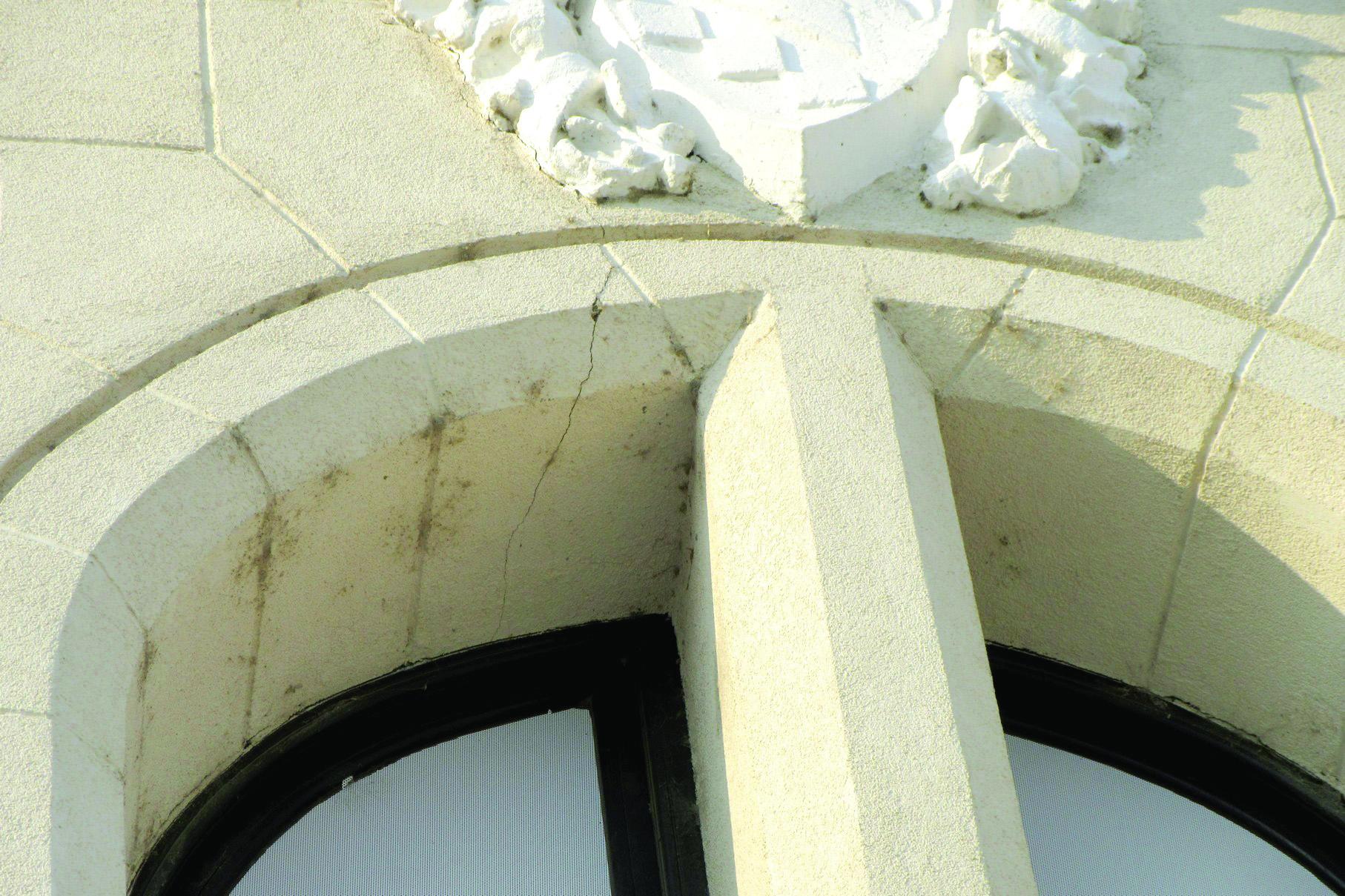 Iași: Au apărut fisuri la Palatul Culturii, clădire inaugurată anul trecut, după ce a fost restaurată cu 23 de milioane de euro 7