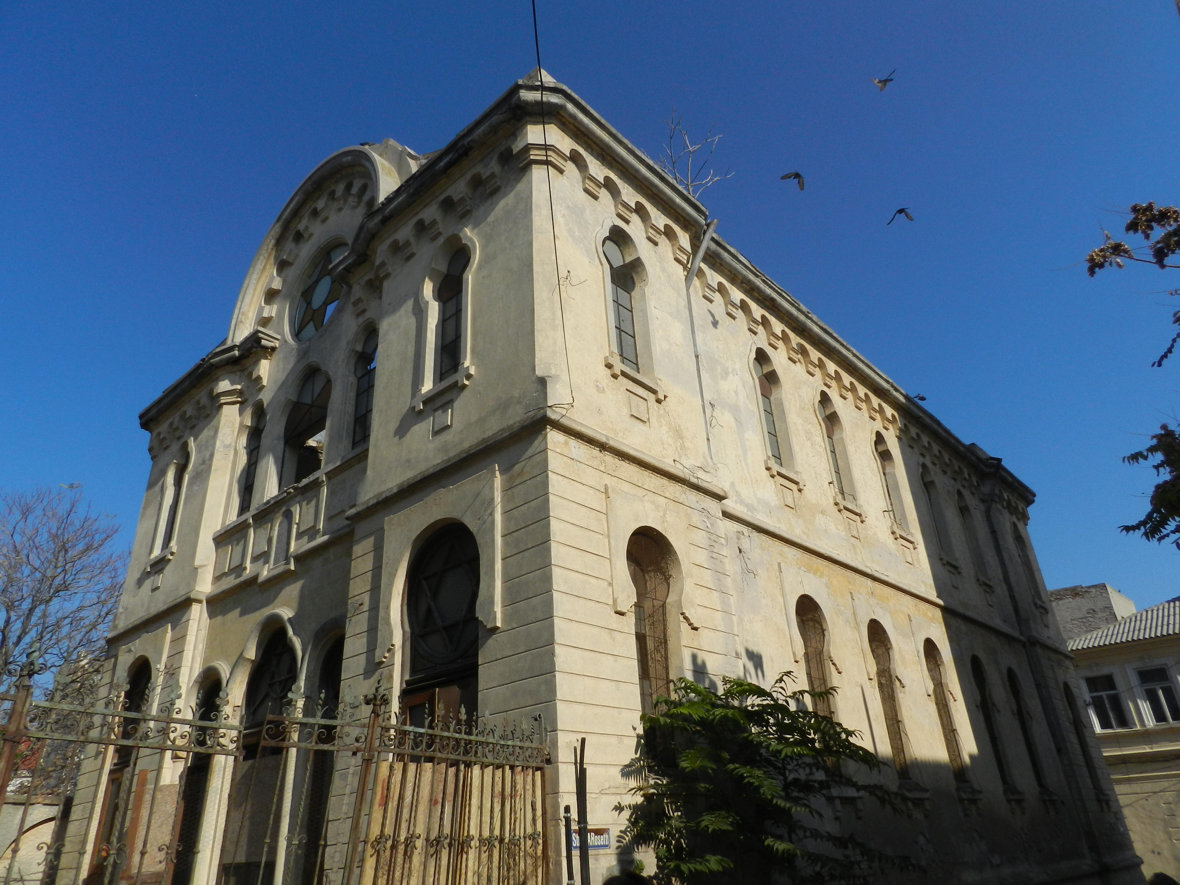 Constanta: Sinagoga askenază, în ruine de 20 de ani, ar putea fi consolidată si restaurată de Compania Națională de Investiții 5