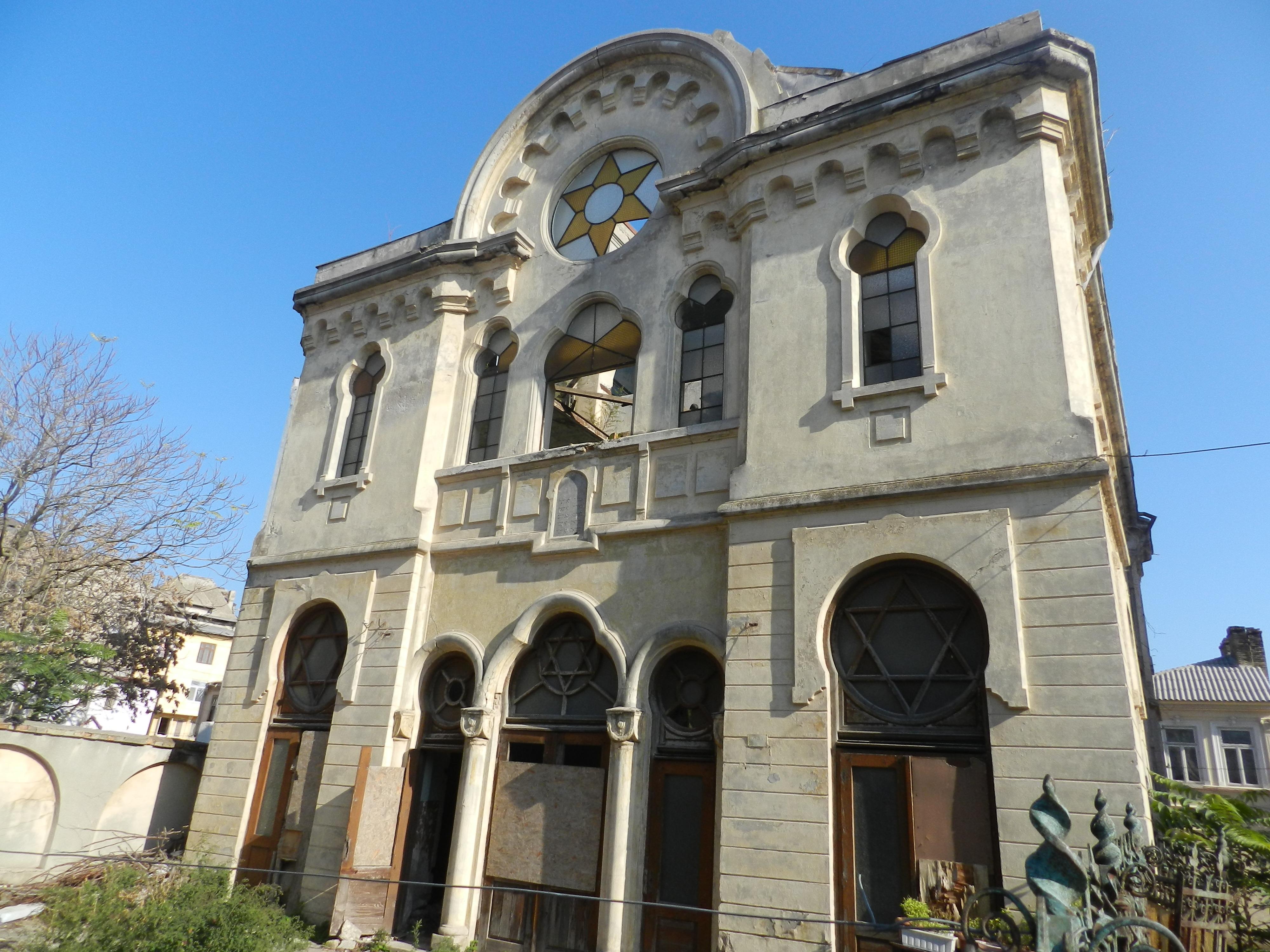 Constanta: Sinagoga askenază, în ruine de 20 de ani, ar putea fi consolidată si restaurată de Compania Națională de Investiții 4
