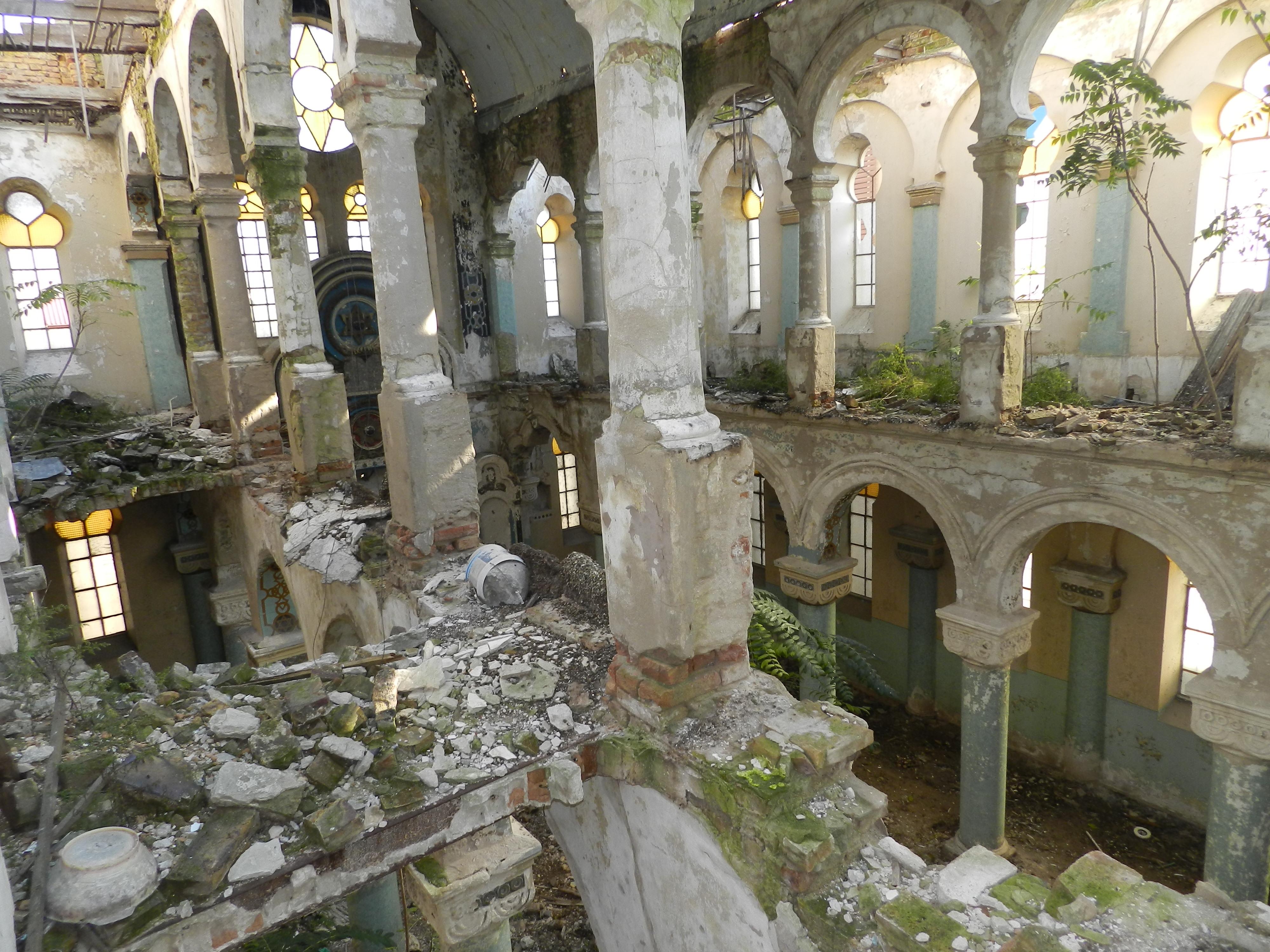 Constanta: Sinagoga askenază, în ruine de 20 de ani, ar putea fi consolidată si restaurată de Compania Națională de Investiții 3