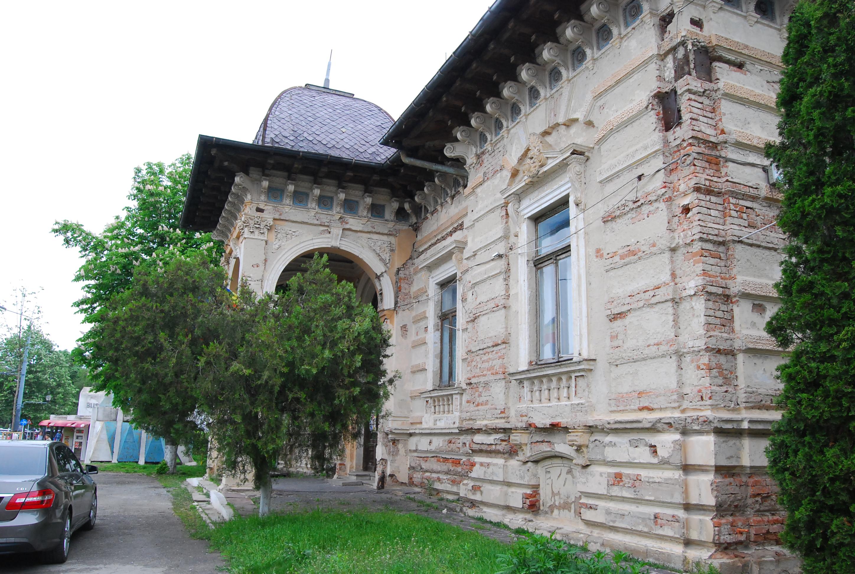 Paradoxul vasluian: proiectul care trebuia să salveze Palatul Mavrocordat îl duce spre ruină 1