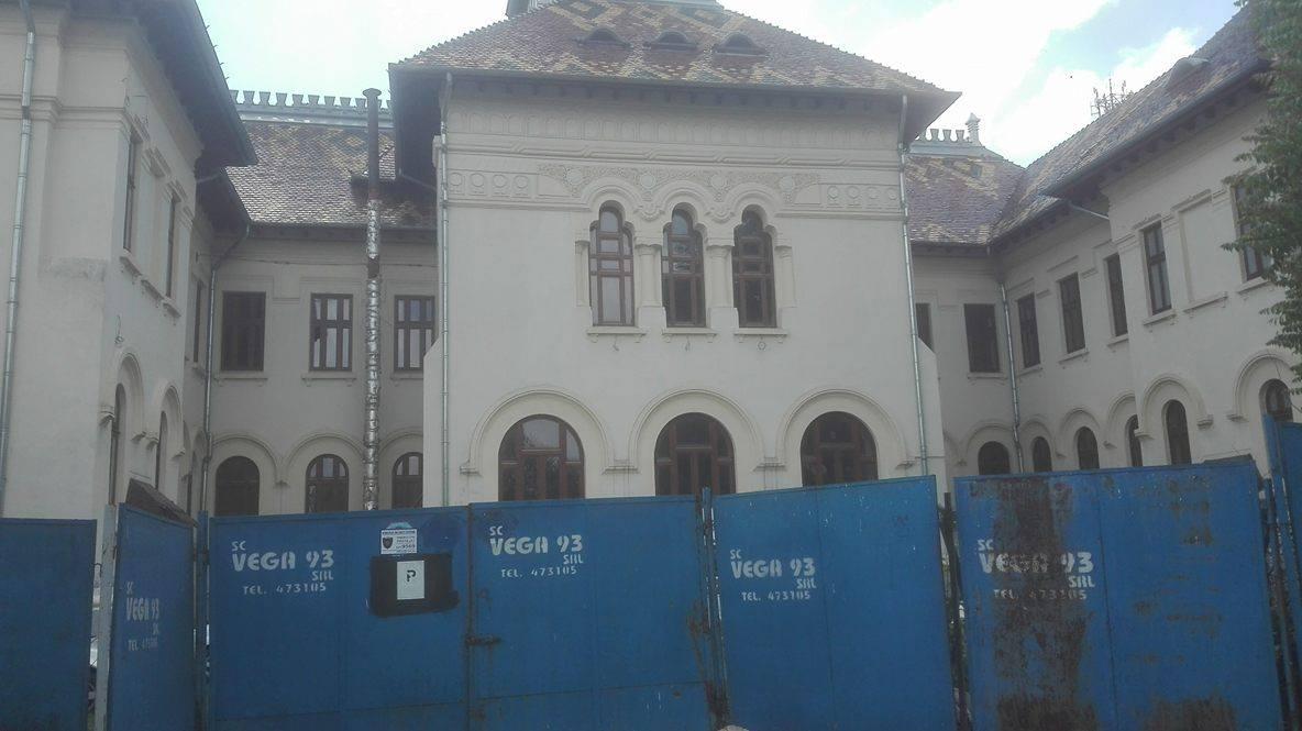 Focșani: Reabilitarea sediului fostei Prefecturi Putna durează mai mult decât construirea Casei Poporului. A început în urmă cu 25 de ani și nu e gata nici acum 3