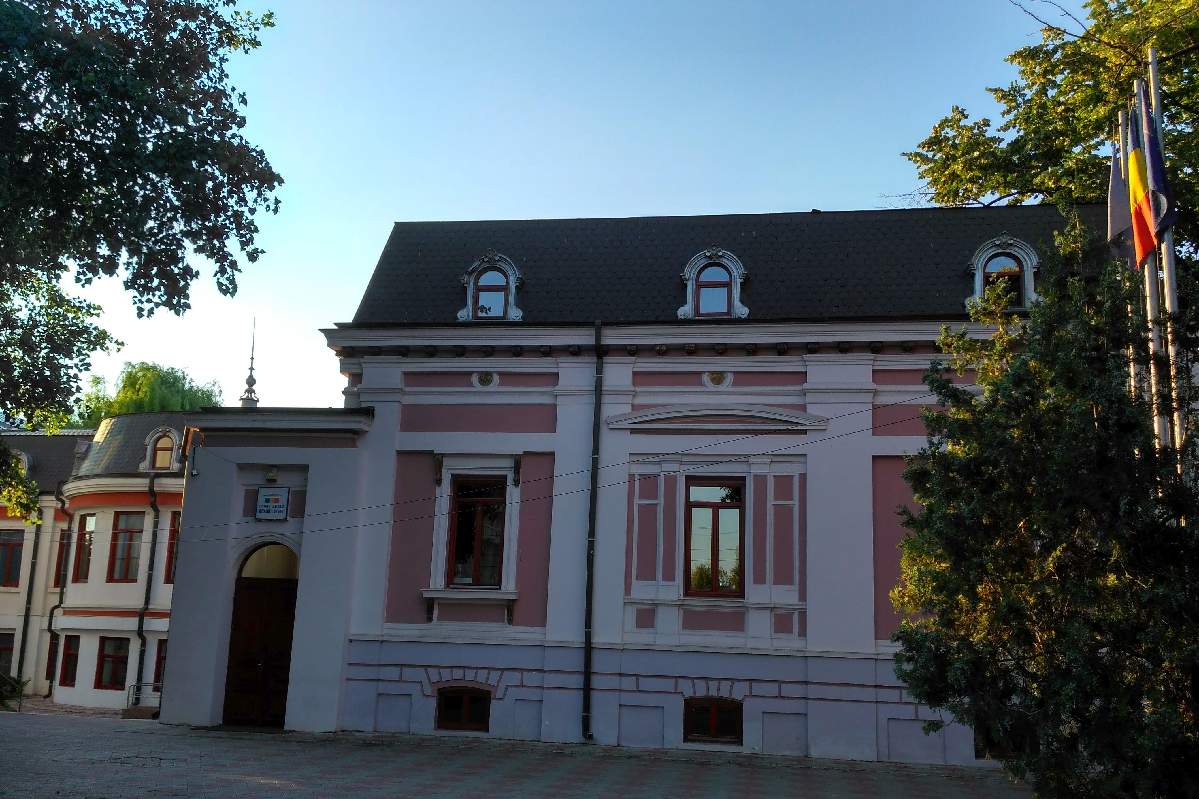Galaţi: După cinci ani de procese, Casa Gheorghiade, una dintre cele mai frumoase clădiri de pe strada Domnească, rămâne proprietatea oraşului 4