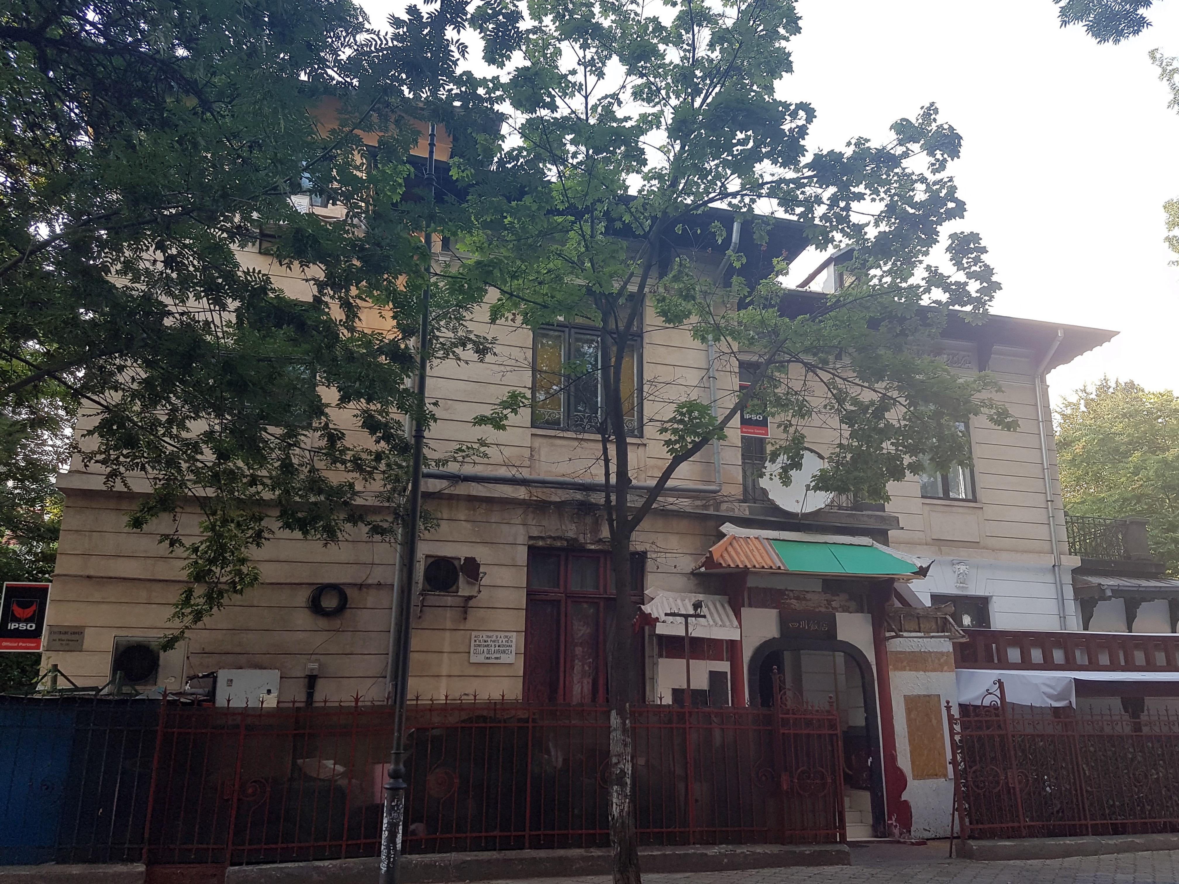 Un bloc cu patru etaje ar putea apărea în zona protejată Mihai Eminescu, vizavi de casa Henrieta Delavrancea, monument istoric. Cum a fost distrusă zona în ultimii 15 ani 2