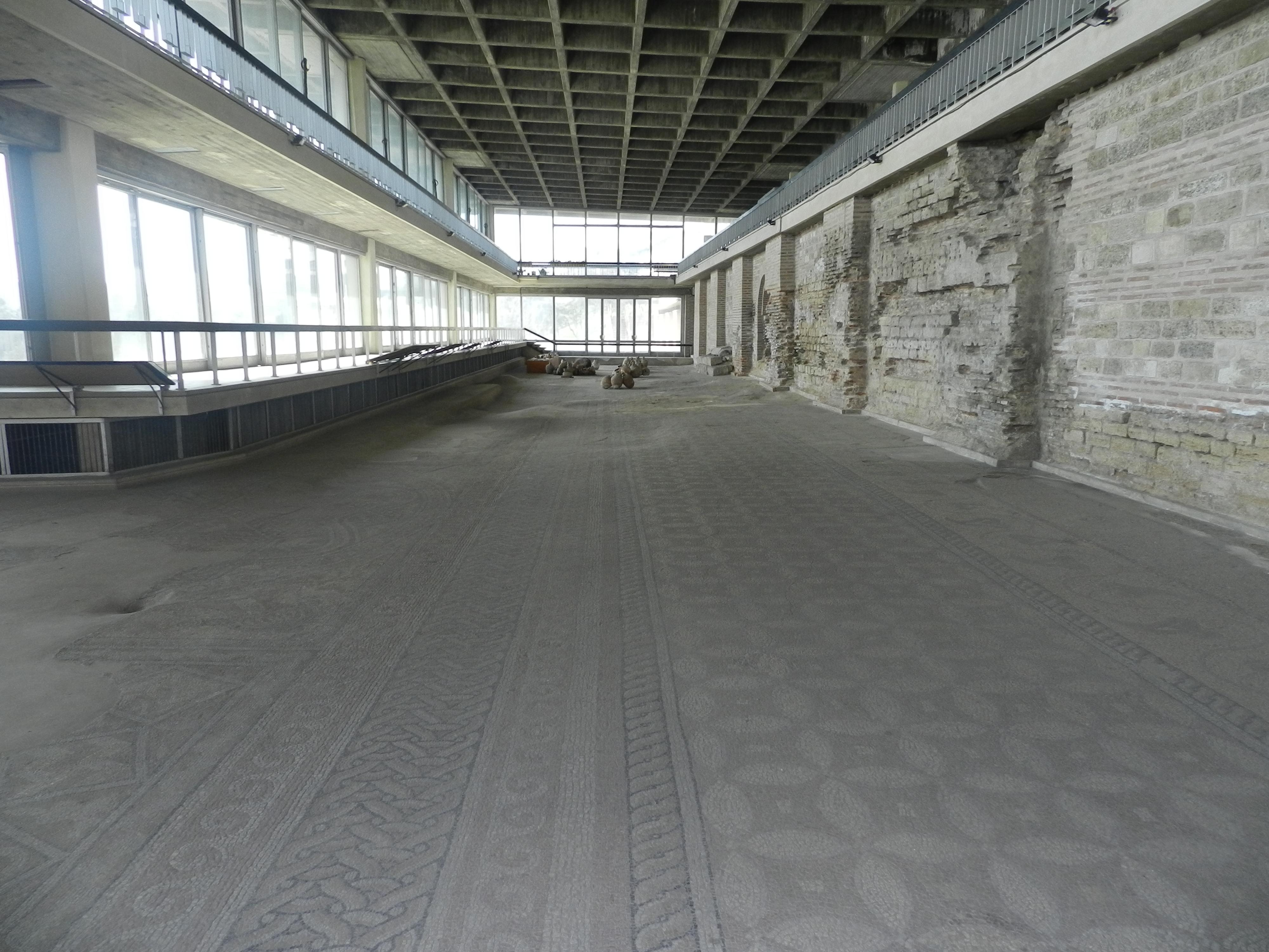 Constanța: Edificiul Roman cu Mozaic, monument din secolele II-IV,  este aproape de prăbușire. Consiliul Județean Constanța speră că va fi salvat cu fonduri europene 4