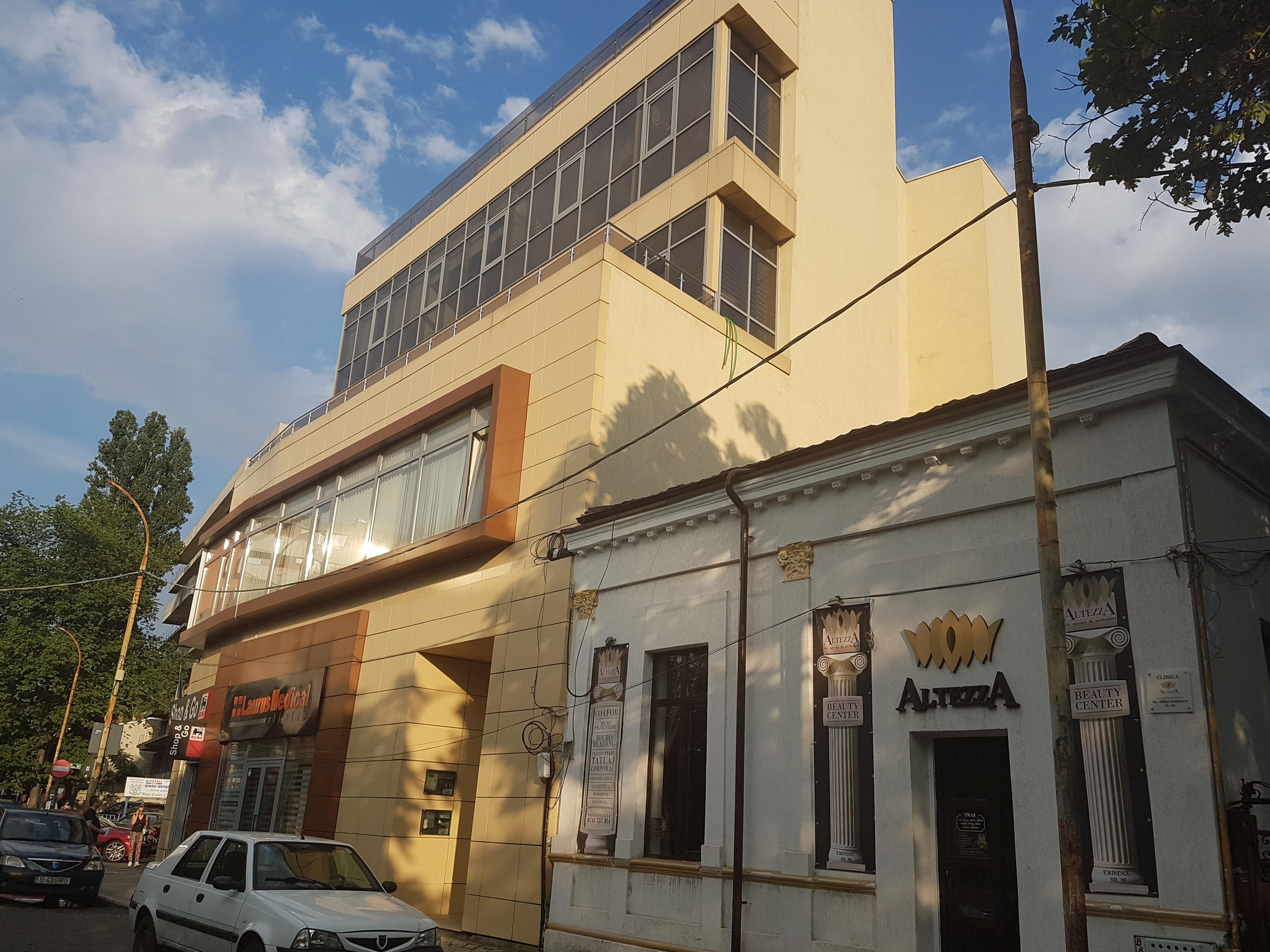Un bloc cu patru etaje ar putea apărea în zona protejată Mihai Eminescu, vizavi de casa Henrieta Delavrancea, monument istoric. Cum a fost distrusă zona în ultimii 15 ani 16