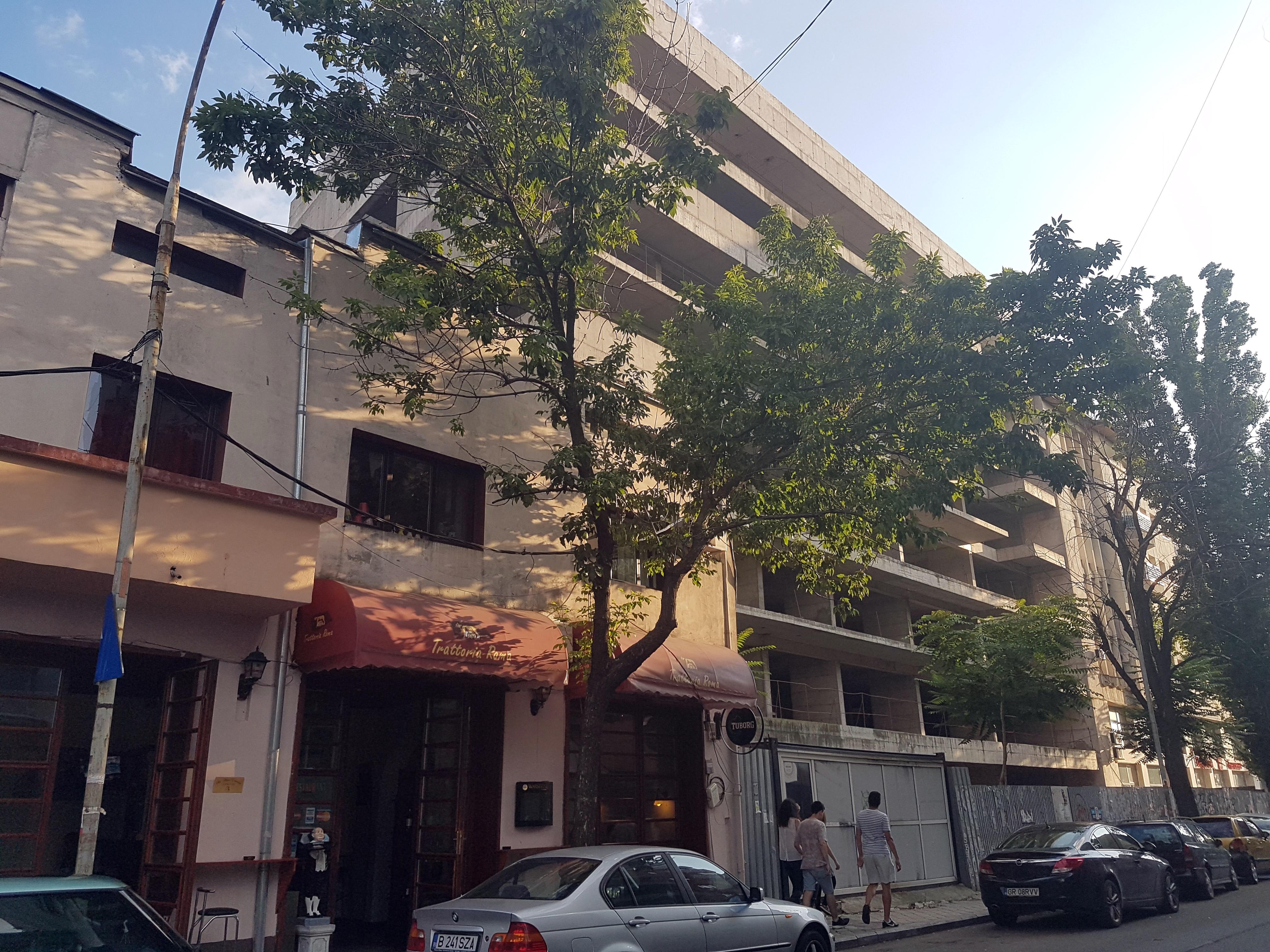 Un bloc cu patru etaje ar putea apărea în zona protejată Mihai Eminescu, vizavi de casa Henrieta Delavrancea, monument istoric. Cum a fost distrusă zona în ultimii 15 ani 19