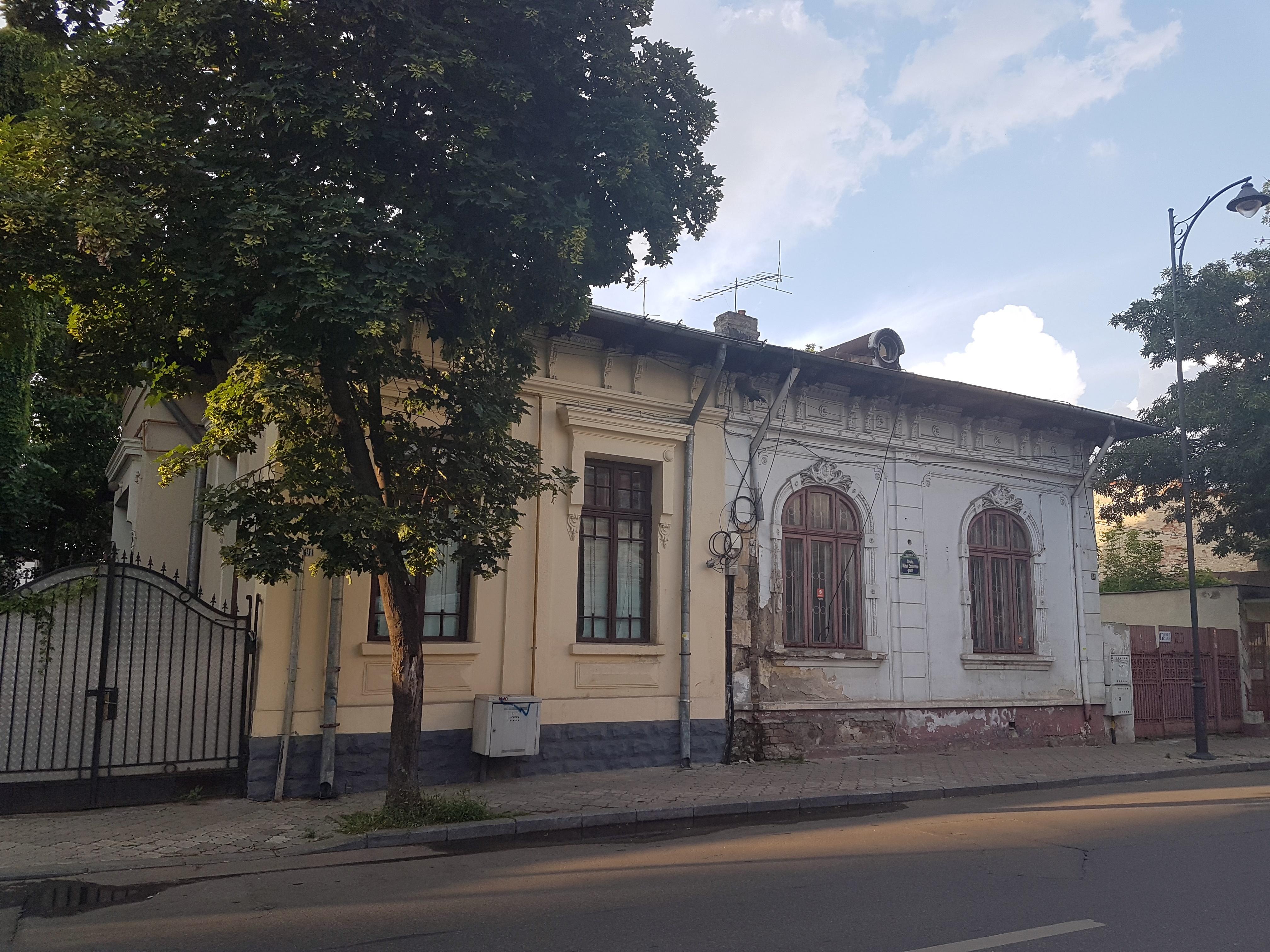 Un bloc cu patru etaje ar putea apărea în zona protejată Mihai Eminescu, vizavi de casa Henrieta Delavrancea, monument istoric. Cum a fost distrusă zona în ultimii 15 ani 21