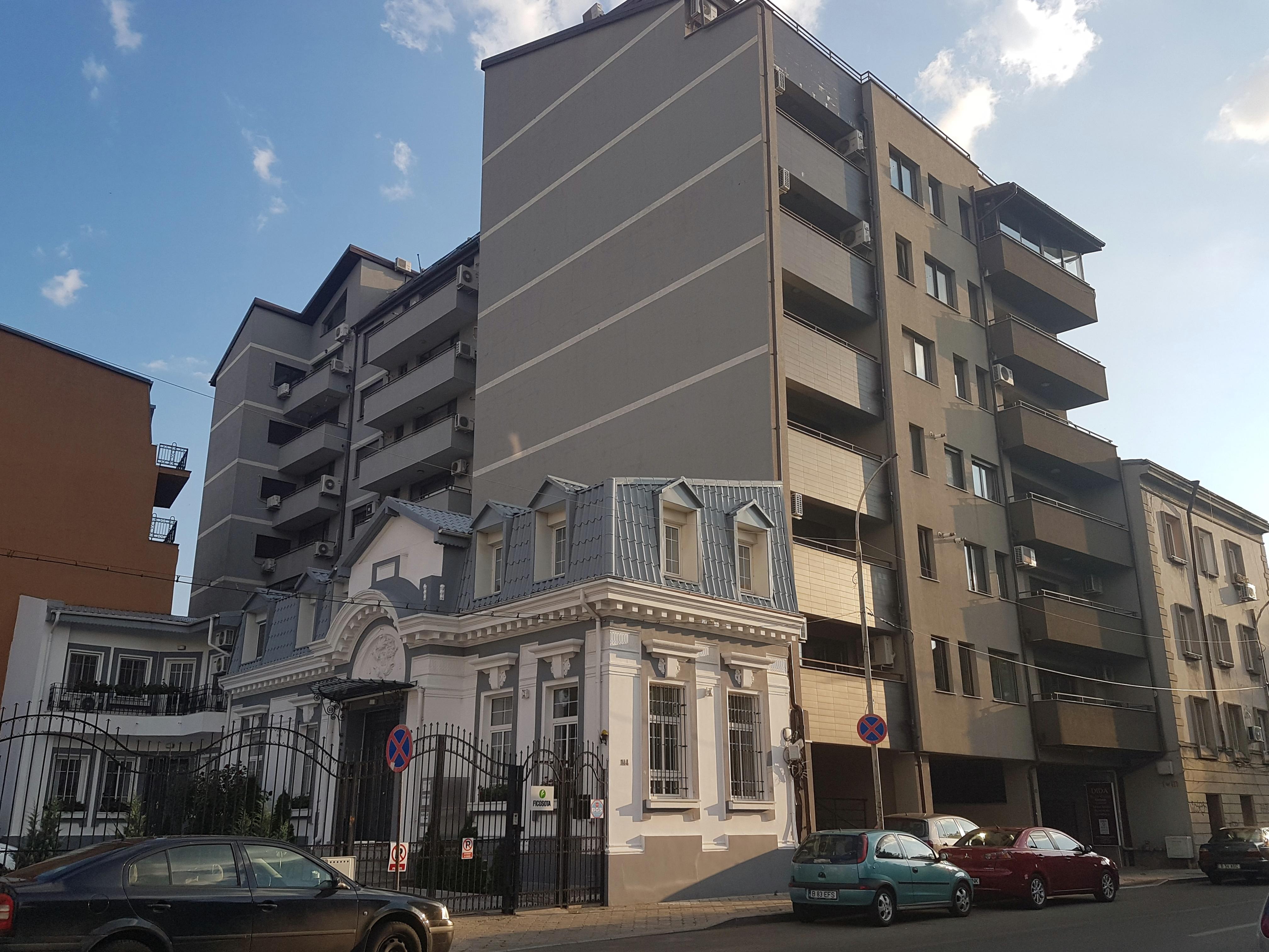 Un bloc cu patru etaje ar putea apărea în zona protejată Mihai Eminescu, vizavi de casa Henrieta Delavrancea, monument istoric. Cum a fost distrusă zona în ultimii 15 ani 24