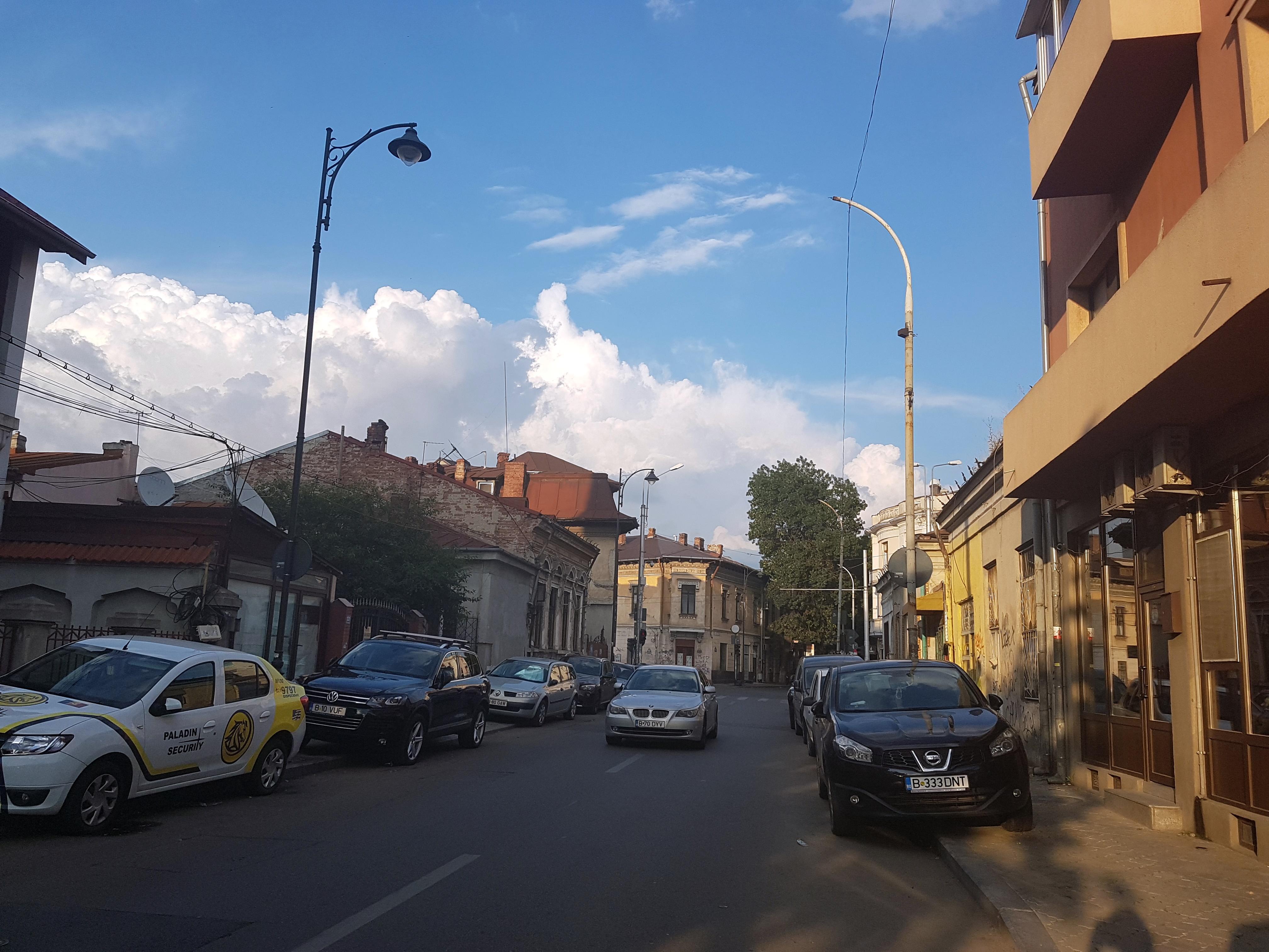 Un bloc cu patru etaje ar putea apărea în zona protejată Mihai Eminescu, vizavi de casa Henrieta Delavrancea, monument istoric. Cum a fost distrusă zona în ultimii 15 ani 28
