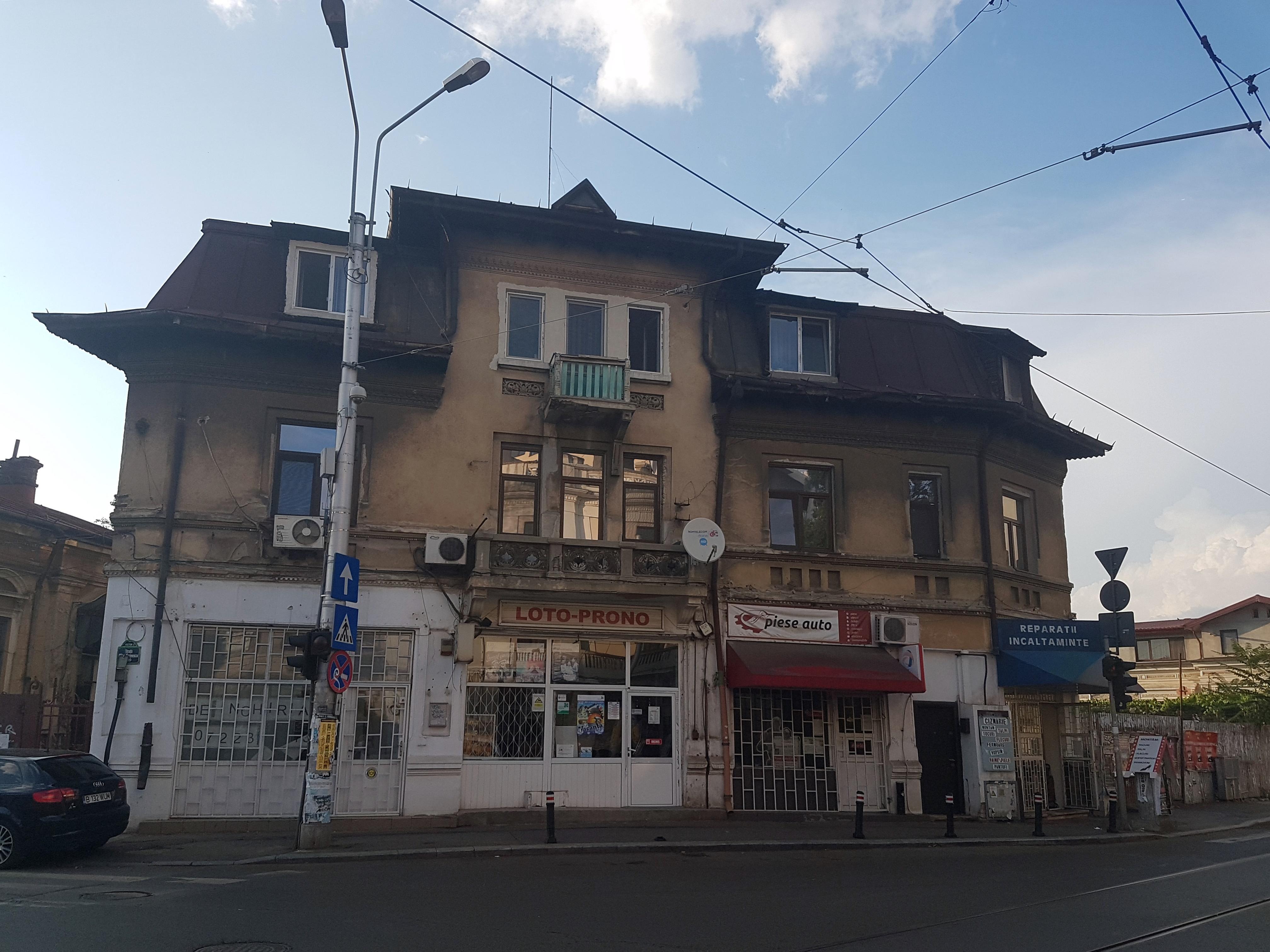 Un bloc cu patru etaje ar putea apărea în zona protejată Mihai Eminescu, vizavi de casa Henrieta Delavrancea, monument istoric. Cum a fost distrusă zona în ultimii 15 ani 31