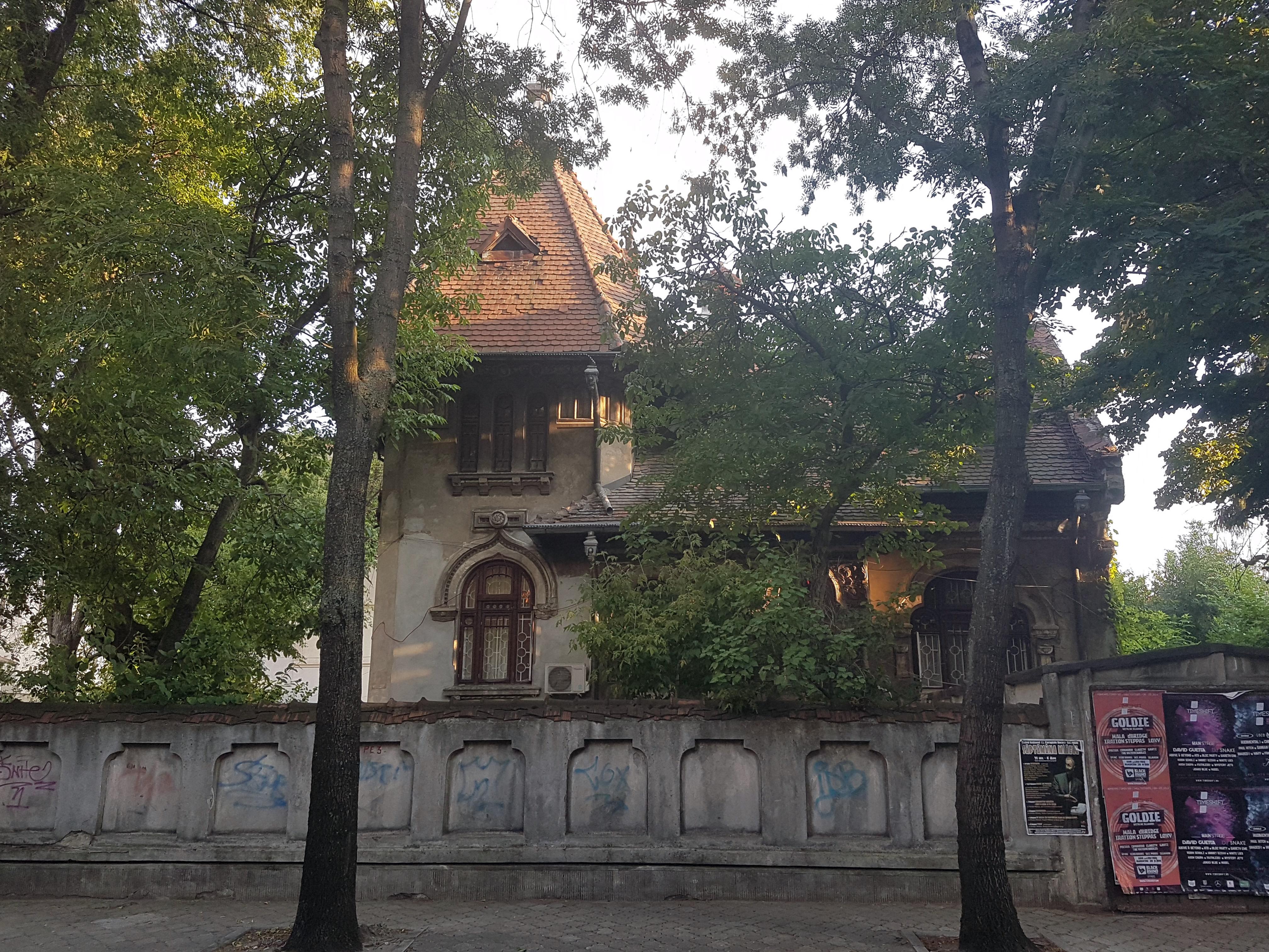 Un bloc cu patru etaje ar putea apărea în zona protejată Mihai Eminescu, vizavi de casa Henrieta Delavrancea, monument istoric. Cum a fost distrusă zona în ultimii 15 ani 35