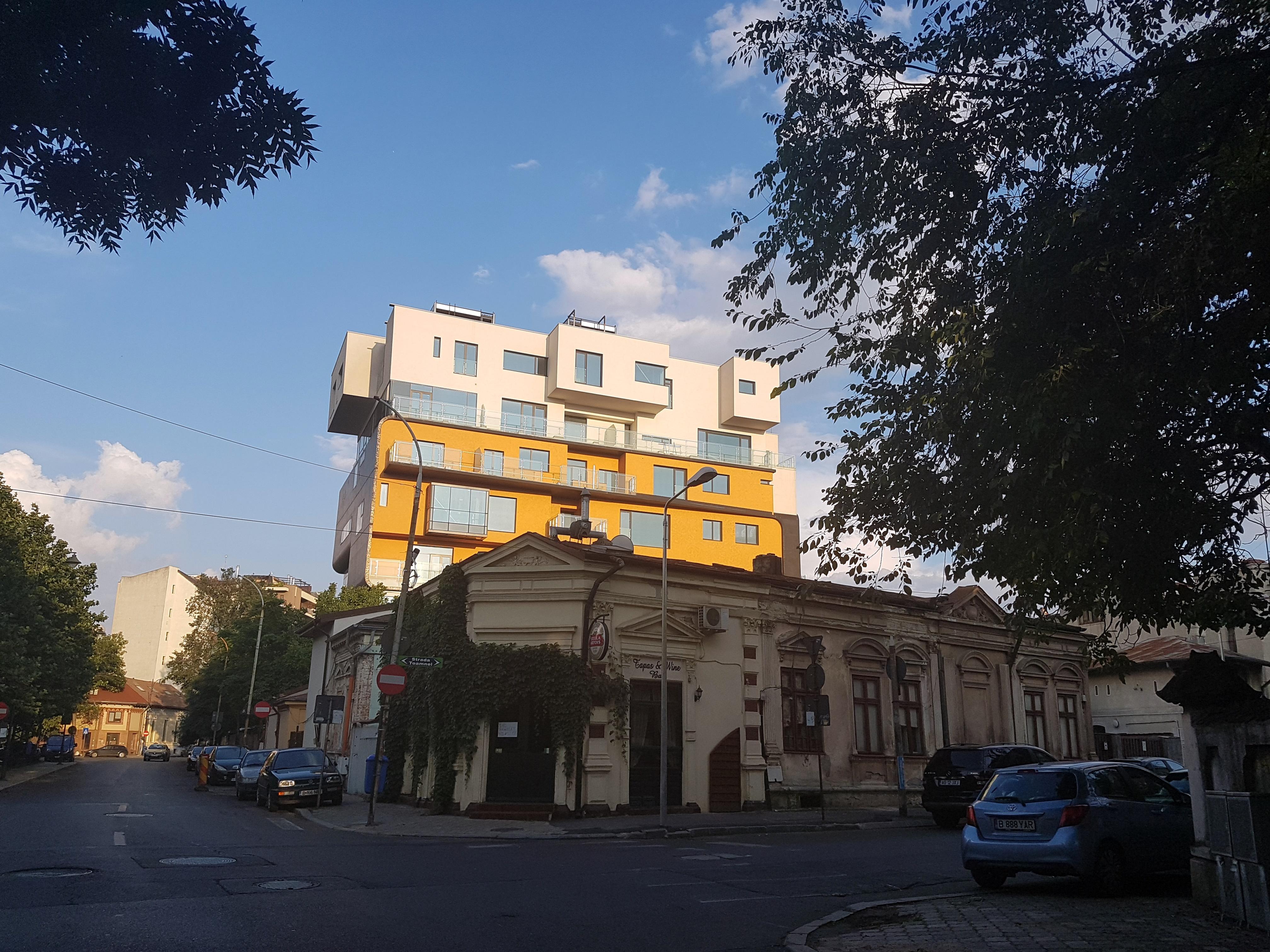 Un bloc cu patru etaje ar putea apărea în zona protejată Mihai Eminescu, vizavi de casa Henrieta Delavrancea, monument istoric. Cum a fost distrusă zona în ultimii 15 ani 36