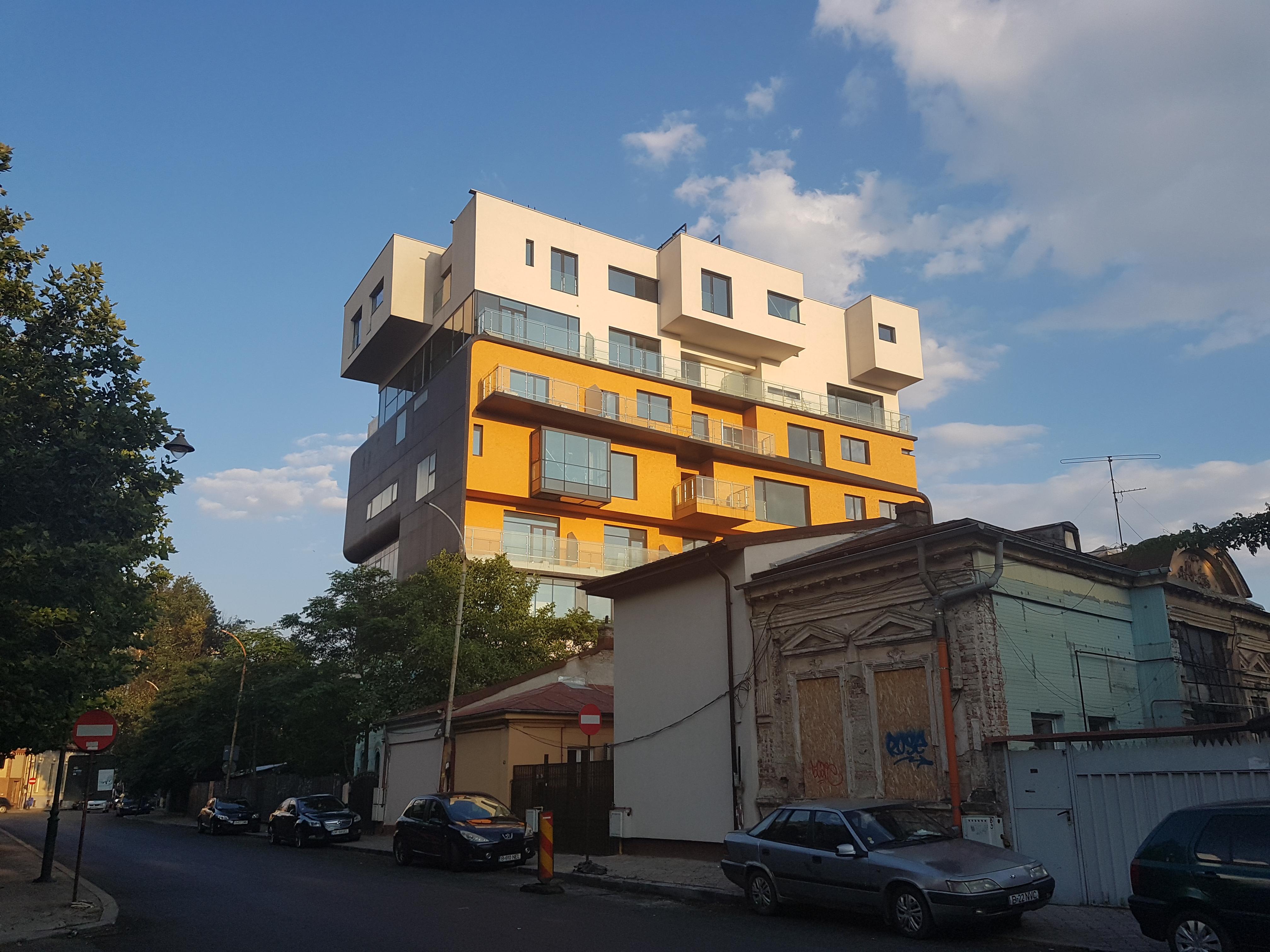 Un bloc cu patru etaje ar putea apărea în zona protejată Mihai Eminescu, vizavi de casa Henrieta Delavrancea, monument istoric. Cum a fost distrusă zona în ultimii 15 ani 38