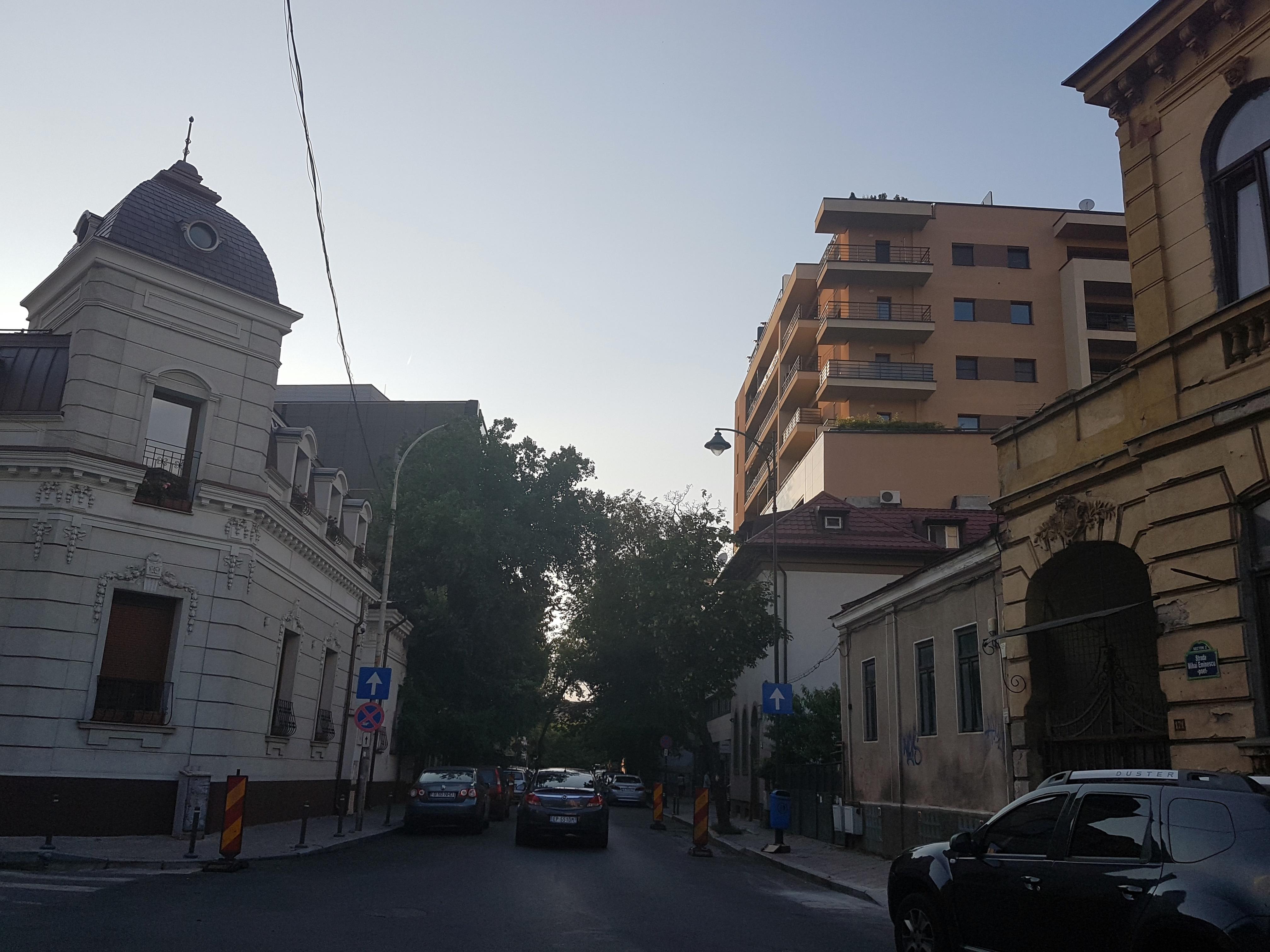 Un bloc cu patru etaje ar putea apărea în zona protejată Mihai Eminescu, vizavi de casa Henrieta Delavrancea, monument istoric. Cum a fost distrusă zona în ultimii 15 ani 44