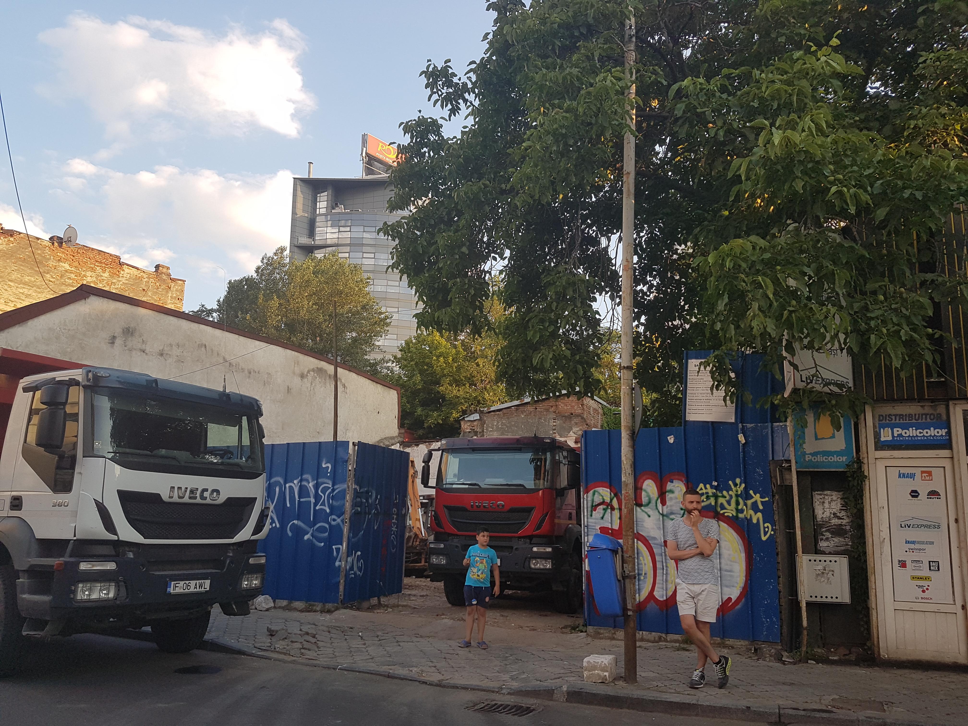 Un bloc cu patru etaje ar putea apărea în zona protejată Mihai Eminescu, vizavi de casa Henrieta Delavrancea, monument istoric. Cum a fost distrusă zona în ultimii 15 ani 46