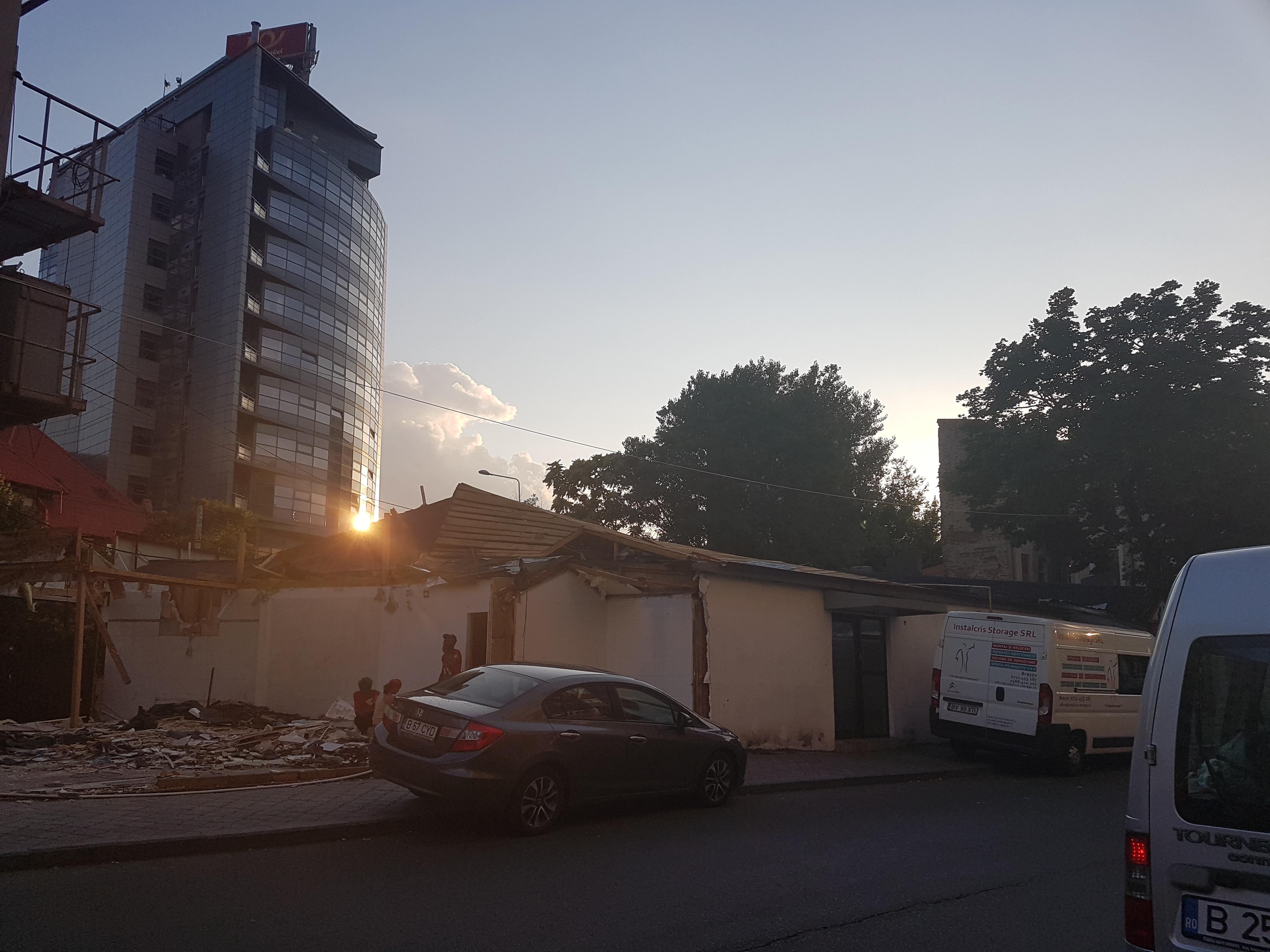 Un bloc cu patru etaje ar putea apărea în zona protejată Mihai Eminescu, vizavi de casa Henrieta Delavrancea, monument istoric. Cum a fost distrusă zona în ultimii 15 ani 49