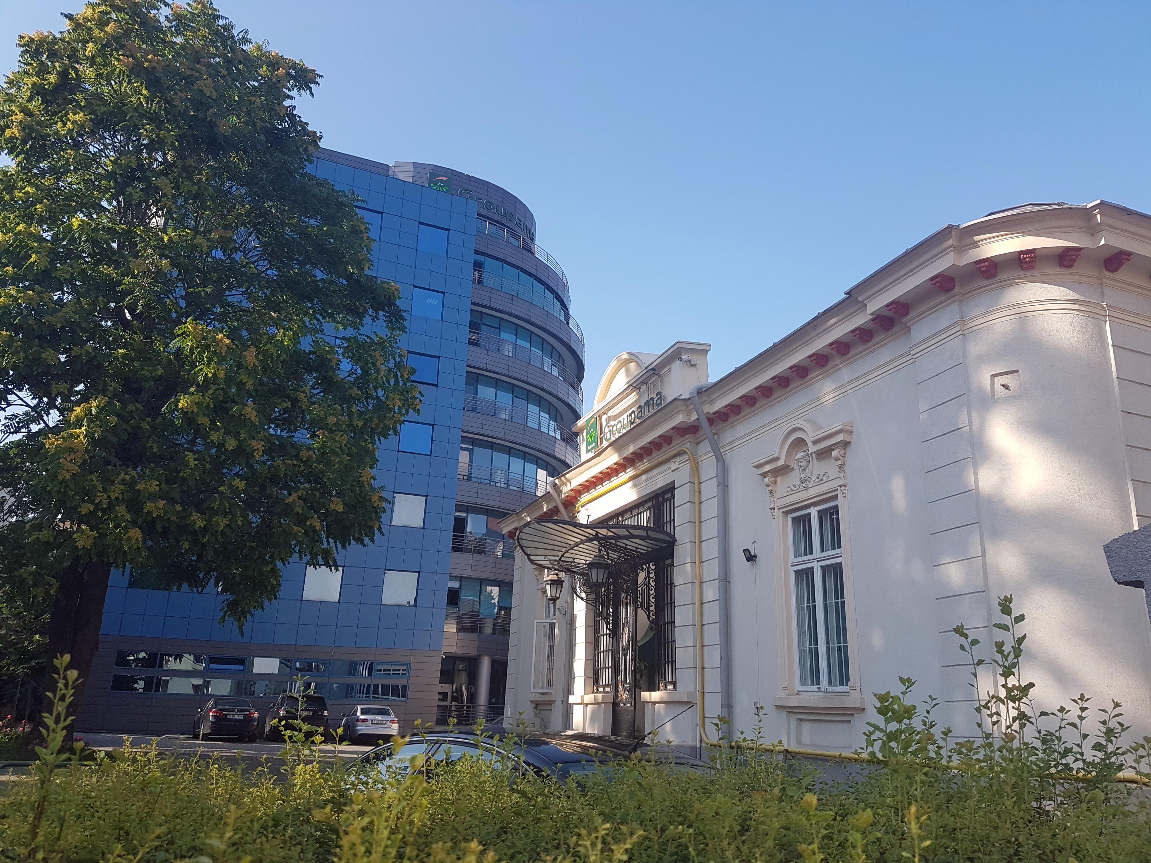 Un bloc cu patru etaje ar putea apărea în zona protejată Mihai Eminescu, vizavi de casa Henrieta Delavrancea, monument istoric. Cum a fost distrusă zona în ultimii 15 ani 11
