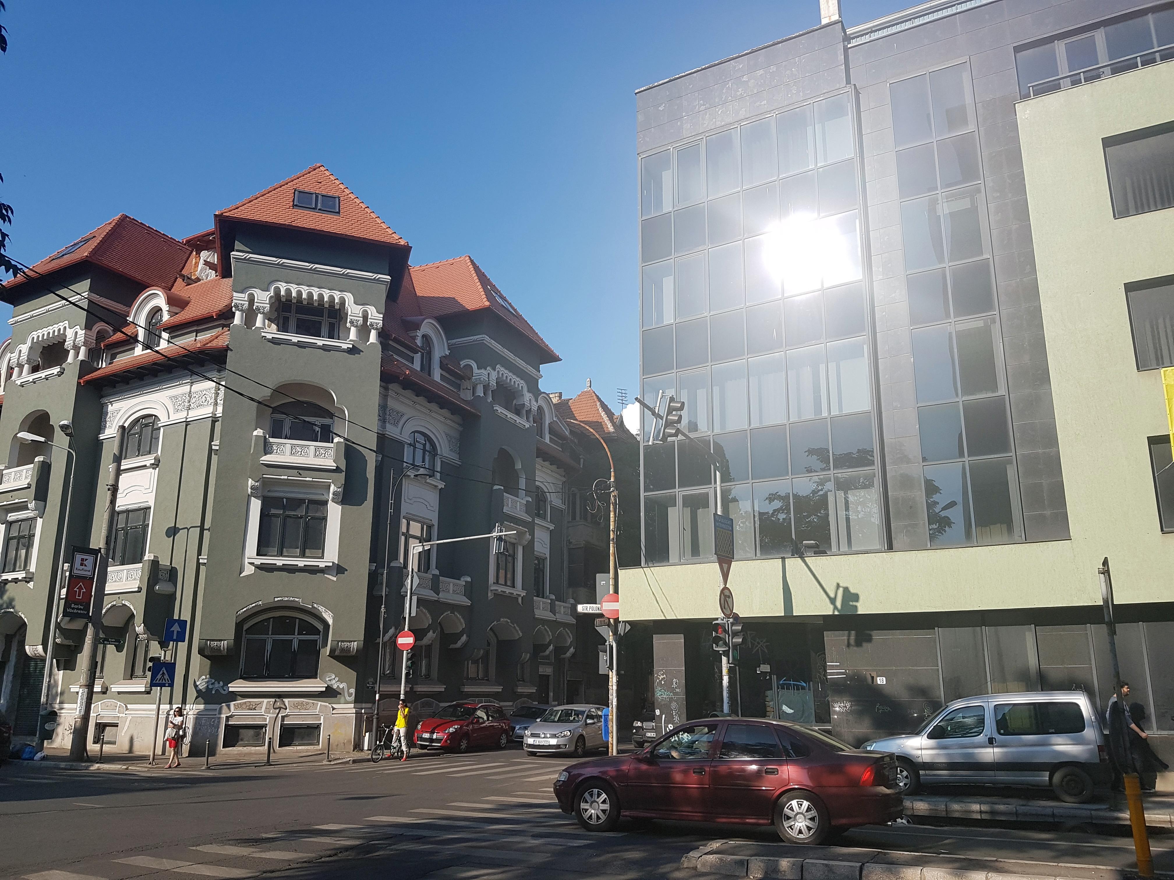 Un bloc cu patru etaje ar putea apărea în zona protejată Mihai Eminescu, vizavi de casa Henrieta Delavrancea, monument istoric. Cum a fost distrusă zona în ultimii 15 ani 12