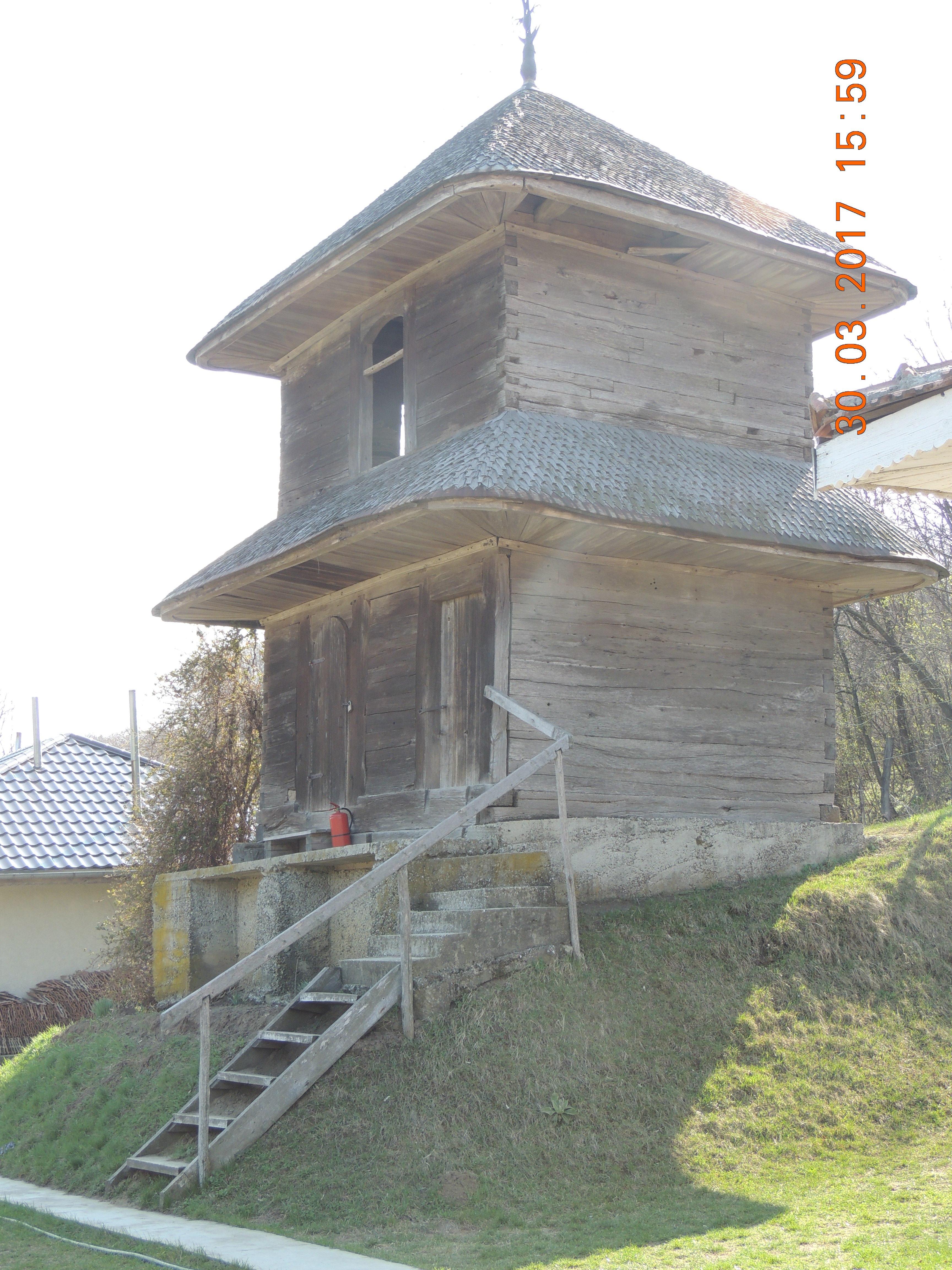"""Vaslui: Biserica de lemn """"Sf. Nicolae"""" din Pârvești, o capodoperă a arhitecturii populare din Moldova, respinsă din Programul Național de Reabilitare 1"""