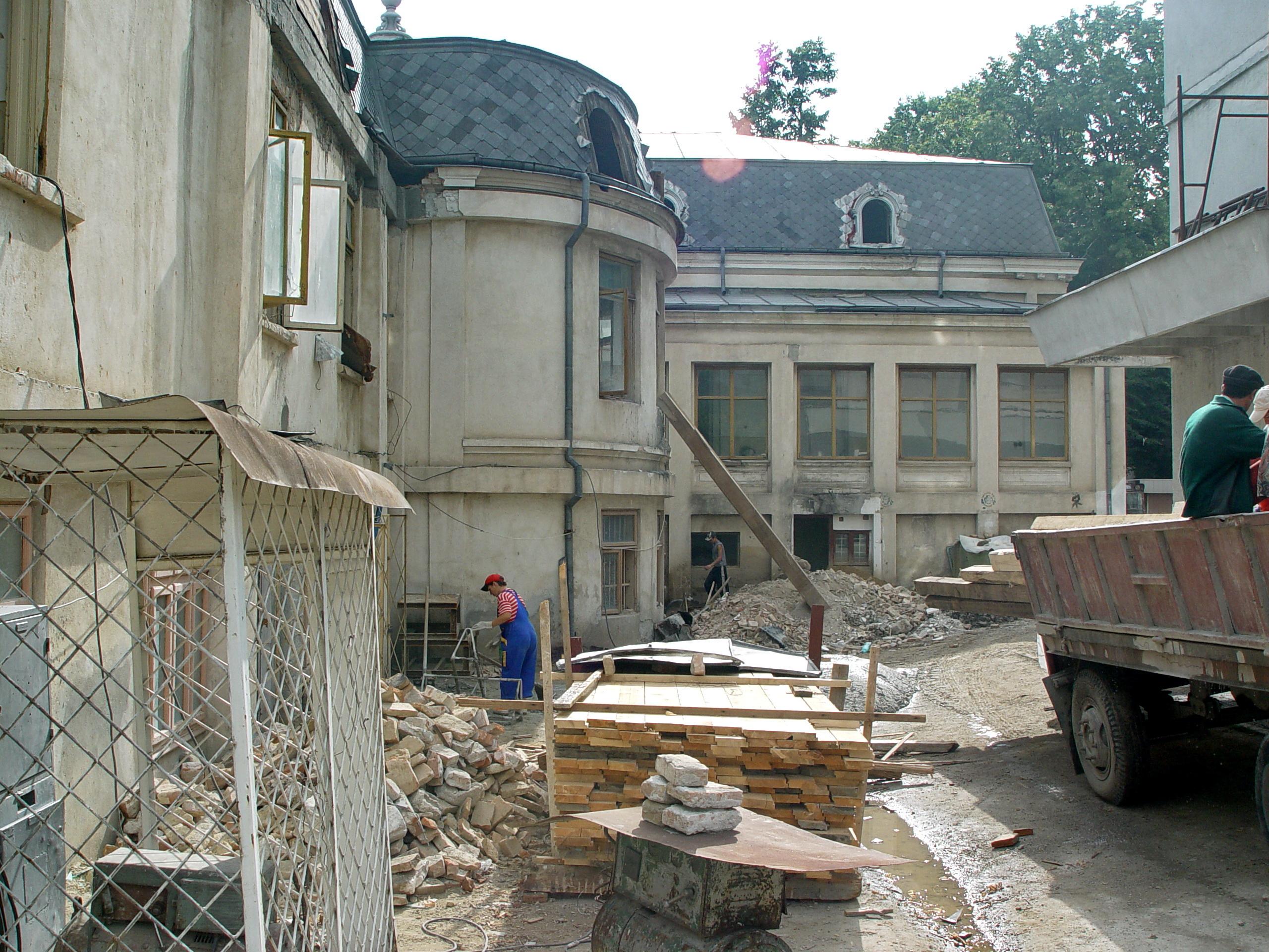 Galaţi: După cinci ani de procese, Casa Gheorghiade, una dintre cele mai frumoase clădiri de pe strada Domnească, rămâne proprietatea oraşului 2