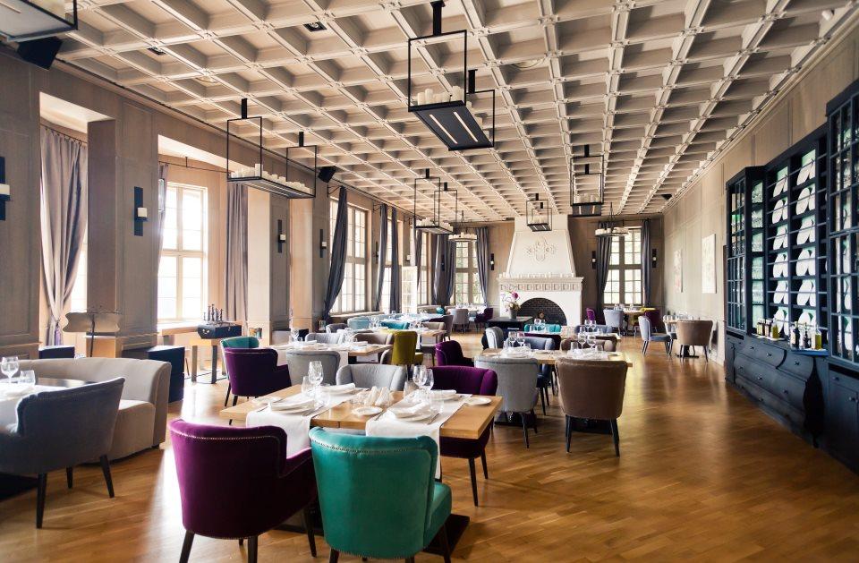 Cum a ajuns Restaurantul Diplomatic din Parcul Herăstrău să fie închiriat de o firmă controlată de Puiu Popoviciu și Dragoș Dobrescu 1