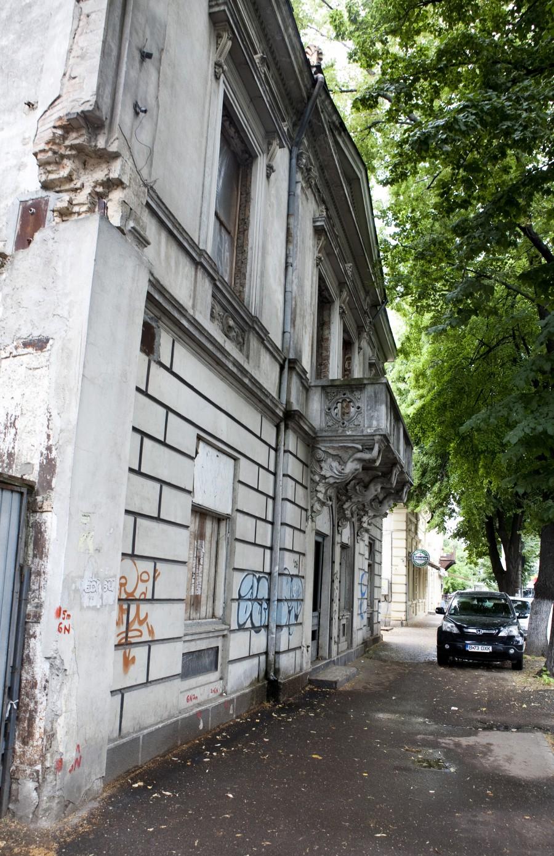 Galaţi: Batjocorită de autorităţi, casa doctorului Serfioti, fost sediu masonic, a renăscut din ruină 2