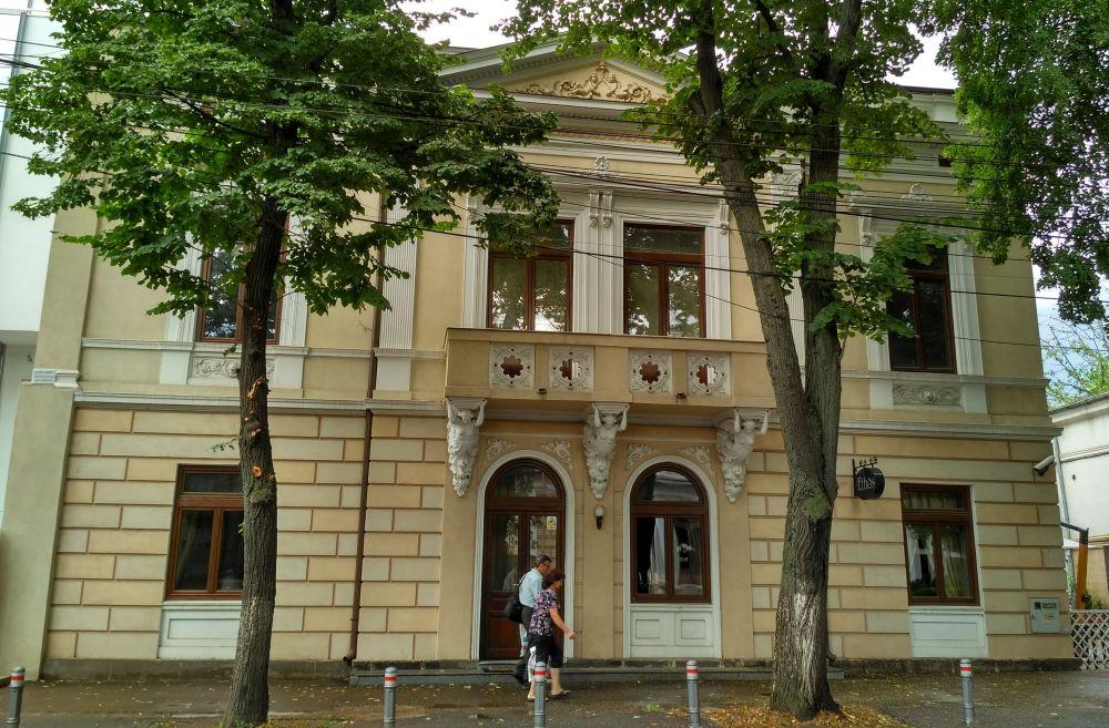 Galaţi: Batjocorită de autorităţi, casa doctorului Serfioti, fost sediu masonic, a renăscut din ruină 8