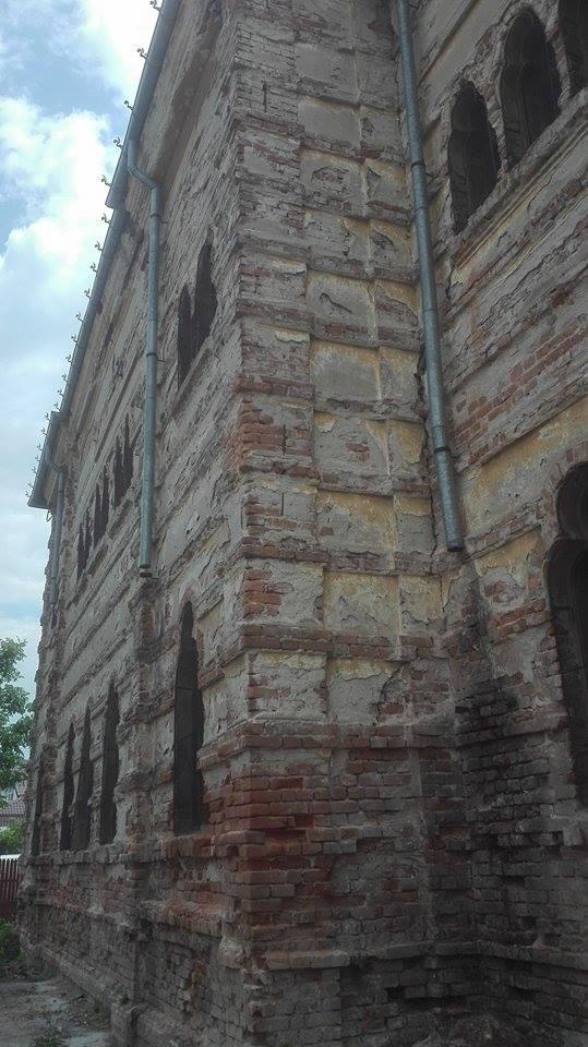 VIDEO – FOTO Sinagoga din Buzău, monument istoric de o frumusețe rară, la un pas de prăbușire 3