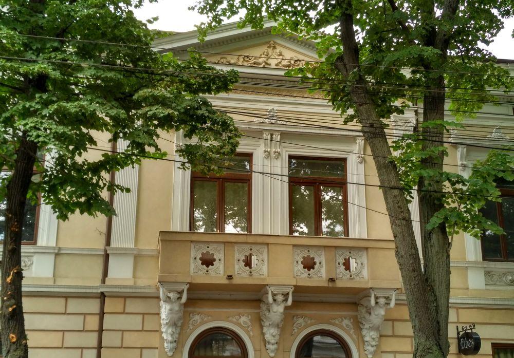 Galaţi: Batjocorită de autorităţi, casa doctorului Serfioti, fost sediu masonic, a renăscut din ruină 9