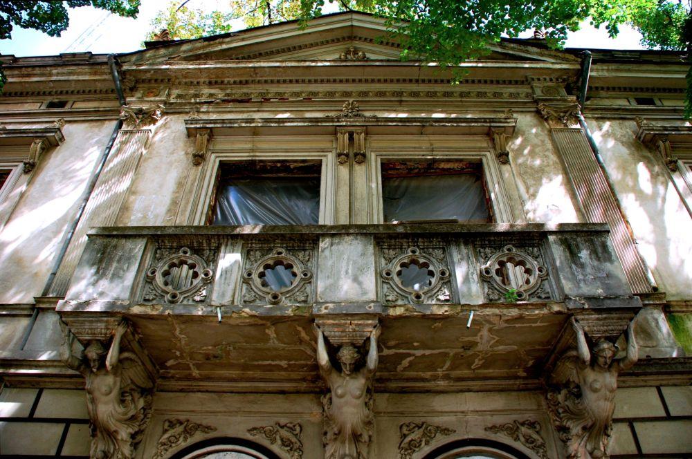 Galaţi: Batjocorită de autorităţi, casa doctorului Serfioti, fost sediu masonic, a renăscut din ruină 3