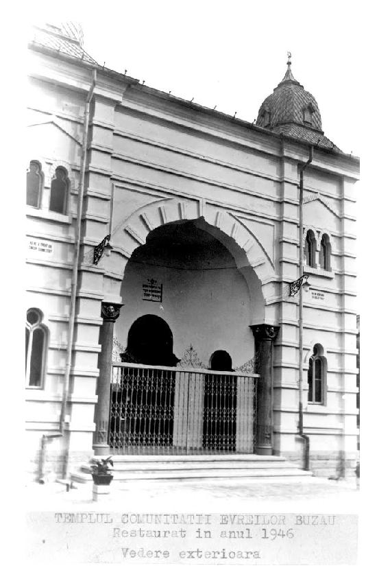 VIDEO – FOTO Sinagoga din Buzău, monument istoric de o frumusețe rară, la un pas de prăbușire 10